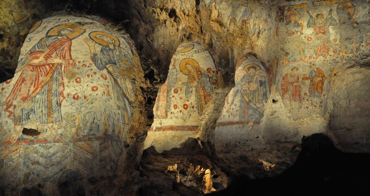 interni delle chiese rupestri