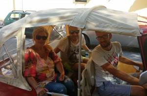 Ape tour Matera: turisti in Ape Vito Calessino
