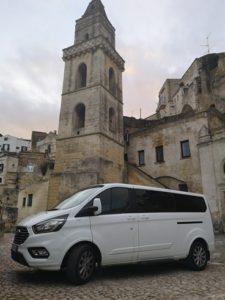 Ape Vito transfer, autoveicolo ncc, transfer da e per aeroporto di Bari