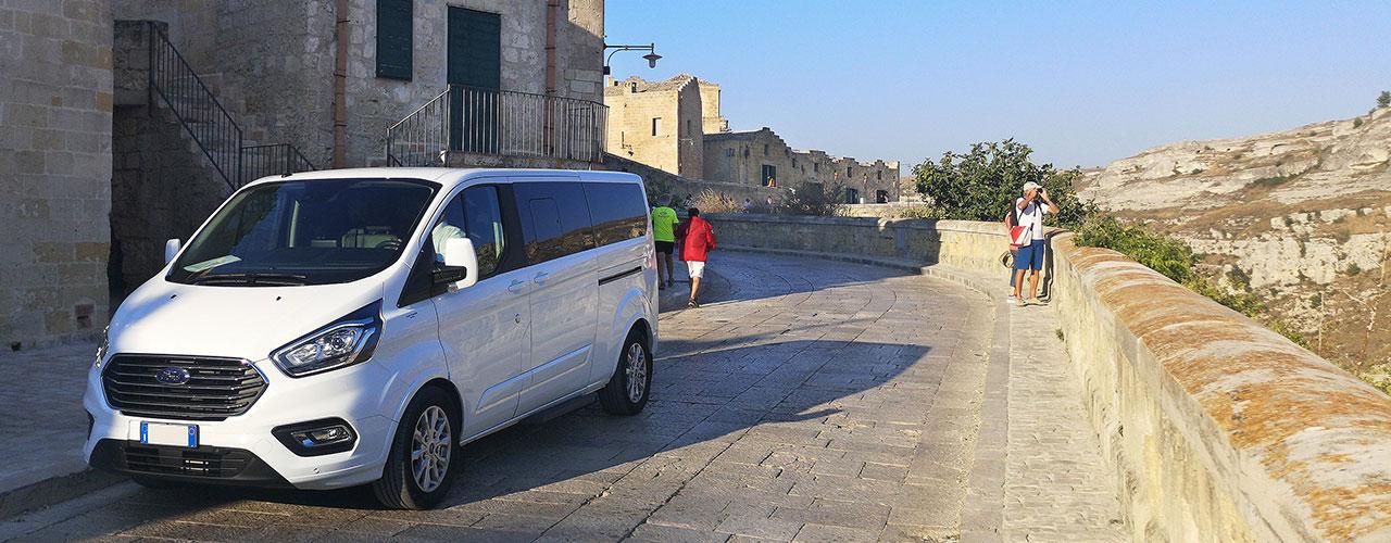 ApeVito tour Matera in calessino piaggio