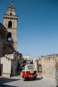 Ape Vito Calessino in Piazza San Pietro Barisano, Matera